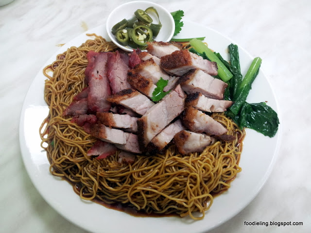 Nanyang+cafe+%25281%2529+-+combination+roast+with+tossed+noodles.jpg