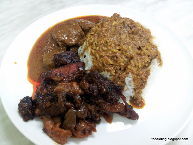 Nanyang+cafe+%25282%2529+-+rice+with+2+choices+7.90+sambal+chicken+beef+rendang.jpg