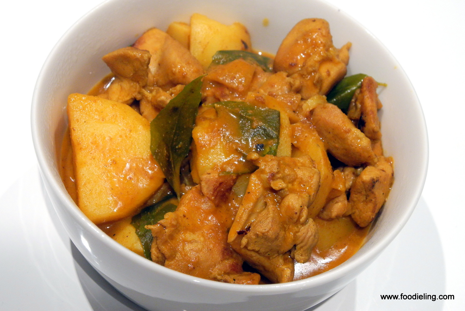 Malaysian Curry Chicken with Potato Recipe Foodie Ling