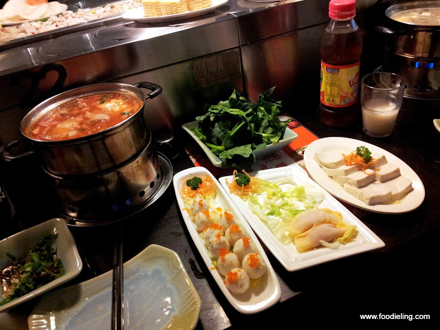 Go+in+hotpot+train+%25282%2529.JPG