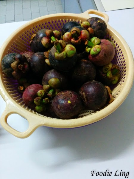 how to open and eat mangosteen